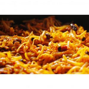 52. Pikantní nudle s kuřecím masem po thajsku